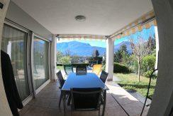 Villa Cugnasco con 2 appartamenti indipendenti